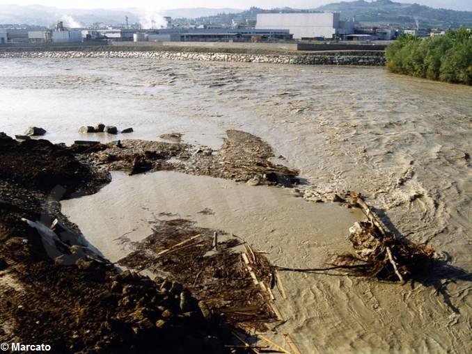 1994: quando la città uscì dal fango