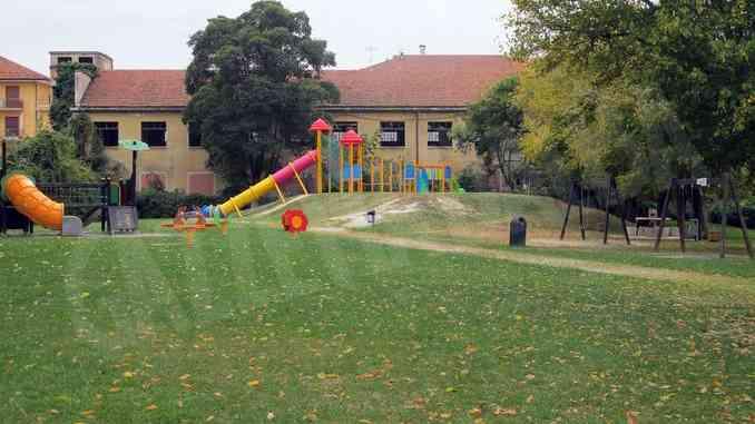 Parco Sobrino e Zona H: serve più vigilanza contro i bivacchi