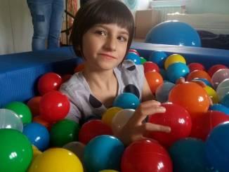 Alessandra, una bimba coraggiosa che ha bisogno dell'aiuto degli albesi