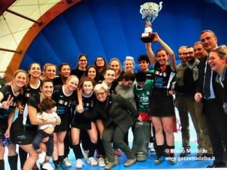 Le ragazze della Lorenzoni Bra campionesse di serie A indoor di Hockey su prato
