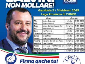 La Lega cuneese raccoglie le firme a sostegno di Matteo Salvini