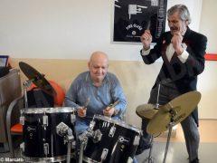 È Carnevale. Le maschere della Famija albèisa incontrano gli ospiti delle case di cura 5