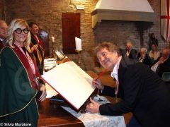 Enzo Iachetti nominato cavaliere onorario del tartufo e dei vini d
