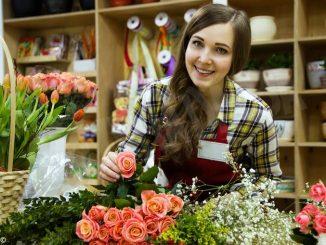 Fai i tuoi acquisti nei negozi di vicinato: l'Associazione commercianti albesi lancia la campagna #aduepassi