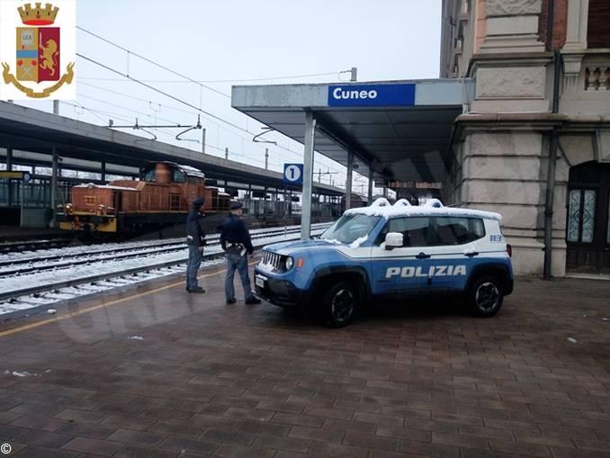 polizia stazione cuneo