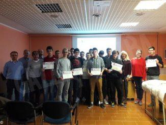 L'Einaudi ha consegnato il patentino di robotica a 15 ragazzi del tecnologico