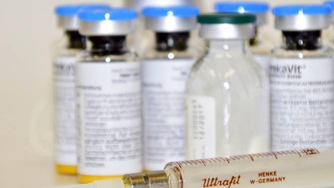 Inietta un sedativo a un paziente per lavorare meno: infermiere accusato di omicidio