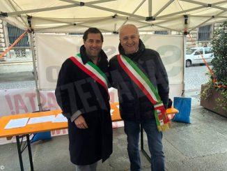 Continua la protesta dei sindaci davanti alla Prefettura per sollecitare l'Asti-Cuneo