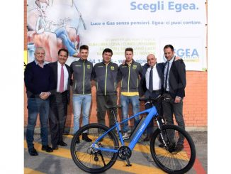 Egea ha donato una bici a pedalata assistita alla promessa del balon Cristian Gatto