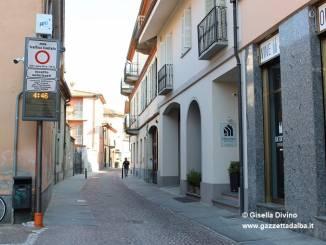 Alba: attiva la Ztl in via Rattazzi ogni notte dalle 20:30 alle 5