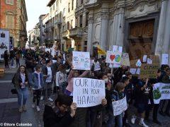 Fridays for future ad Alba, la fotogallery della manifestazione 15