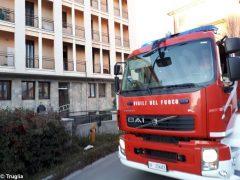Paura per un incendio in un palazzo di piazza San Paolo ad Alba 3