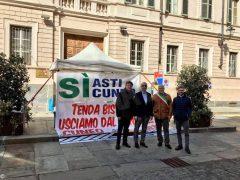 Amministratori albesi al presidio permanente per l'autostrada Asti-Cuneo 1