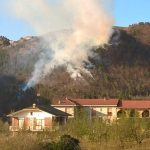 In fiamme 13 ettari di boschi tra Castino e Rocchetta Belbo