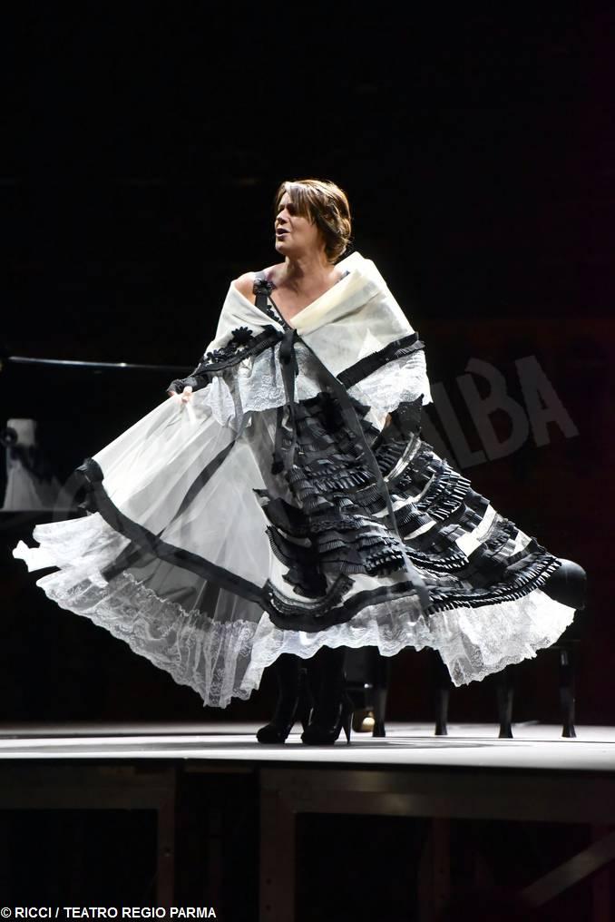 lella costa traviata