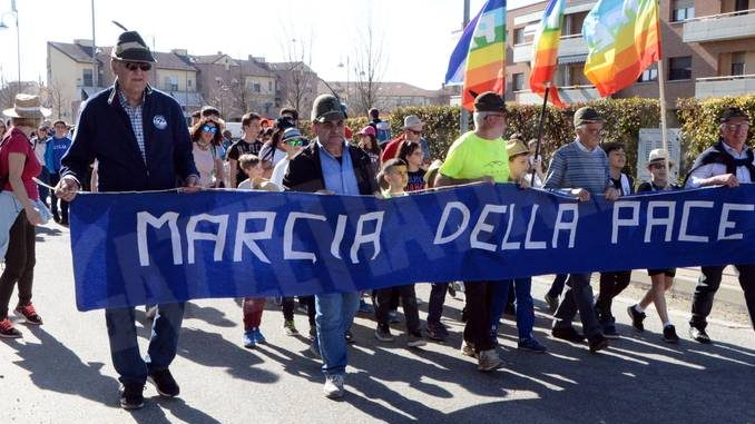 In marcia per la pace da Vaccheria a Baraccone 3