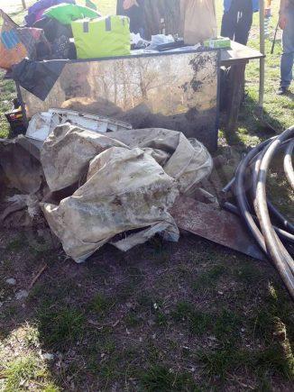 Collettivo Mononoke a parco Tanaro per ripulirlo 3