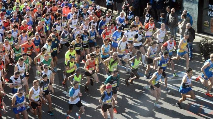 Mille corridori per la 29ª Nove miglia vinta da Ahmed El Mazoury e Meseret Ayele 1