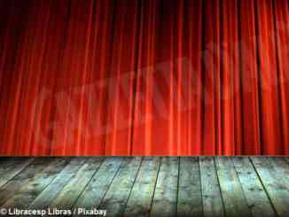 A Rodello Walter Gabutti dirige lo spettacolo Ŕ'eva ën cà