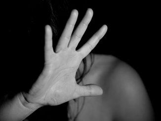 Abusi su una tredicenne, arrestato militare cuneese