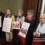 Protesta silenziosa in consiglio contro il Decreto Salvini su immigrazione e sicurezza