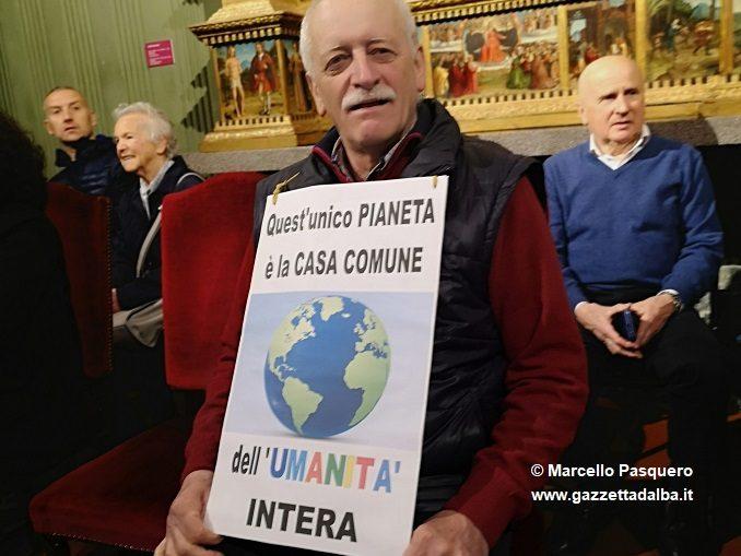 Protesta silenziosa in consiglio contro il Decreto Salvini su immigrazione e sicurezza 1