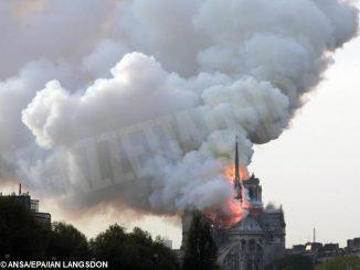 L'arcivescovo di Torino Nosiglia: «Notre Dame ci ricorda la cappella della Sindone»