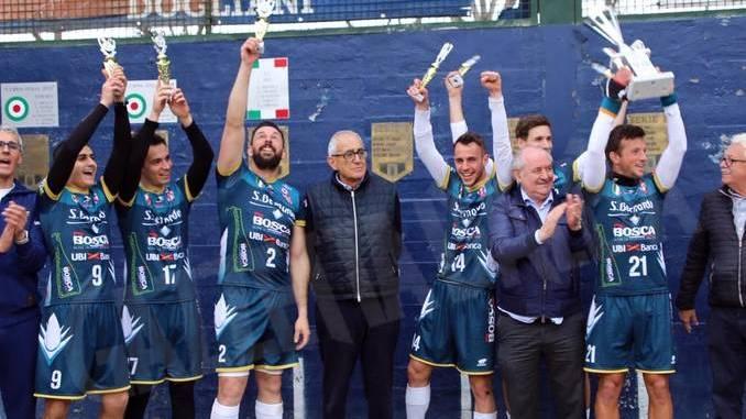 Il Cuneo di Raviola vince la Supercoppa di pallapugno