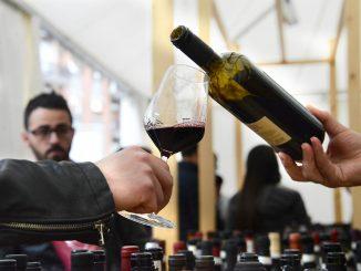 Vini solidali in degustazione sabato 27 alla sala Beppe Fenoglio