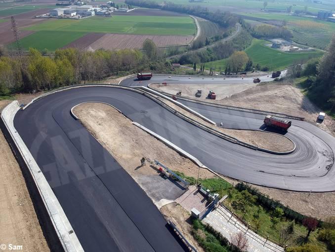 bergoglio curve