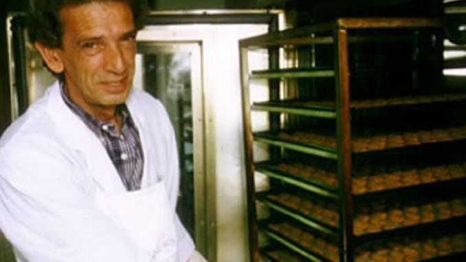 """La Morra piange il pasticcere Giovanni Cogno, inventore dei """"Lamorresi al Barolo"""""""