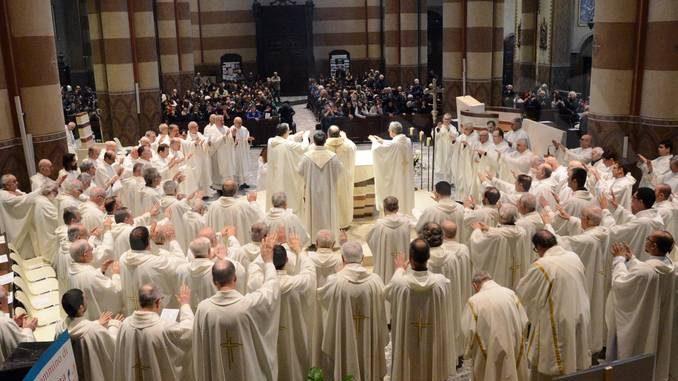 I cristiani non si riducano a fuochi di paglia: gli auguri pasquali  di monsignor Marco Brunetti alla Diocesi 2