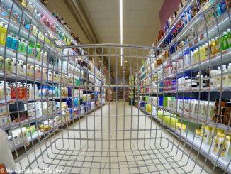 Tenta di rubare 400 euro di cosmetici da un supermercato di Bra, scoperta dalla vigilanza