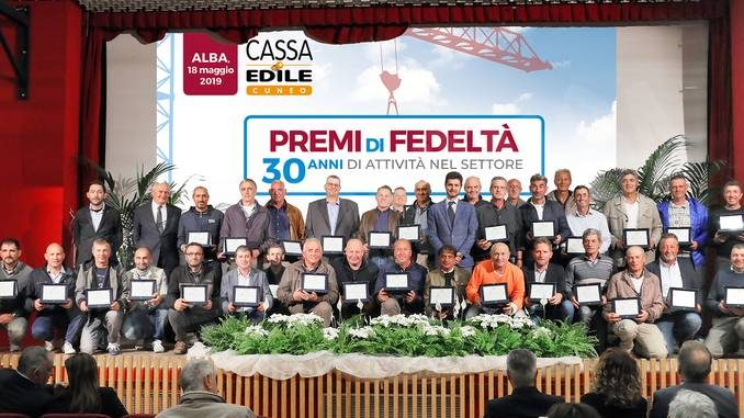 Dalla Cassa Edile cuneese premi per 120 mila euro a lavoratori fedeli e studenti meritevoli