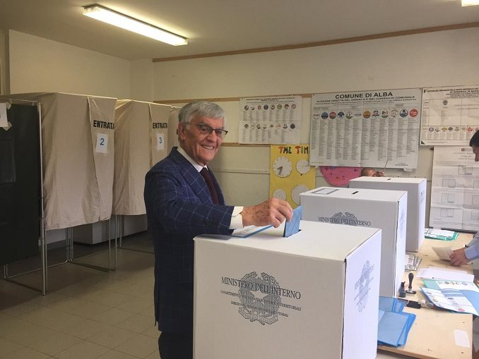 Langhe e Roero al voto, ecco le foto dei candidati nei seggi