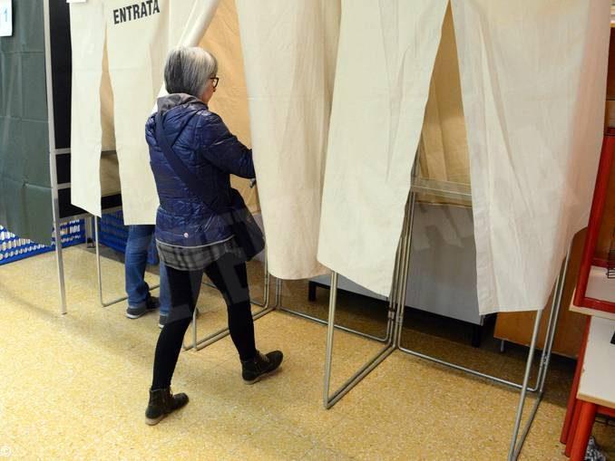 Tanti elettori e tanta solitudine: il nostro tour tra i seggi albesi 3