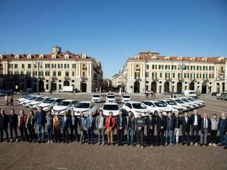 La Fondazione Crc consegna 17 auto elettriche ad altrettanti comuni e unioni