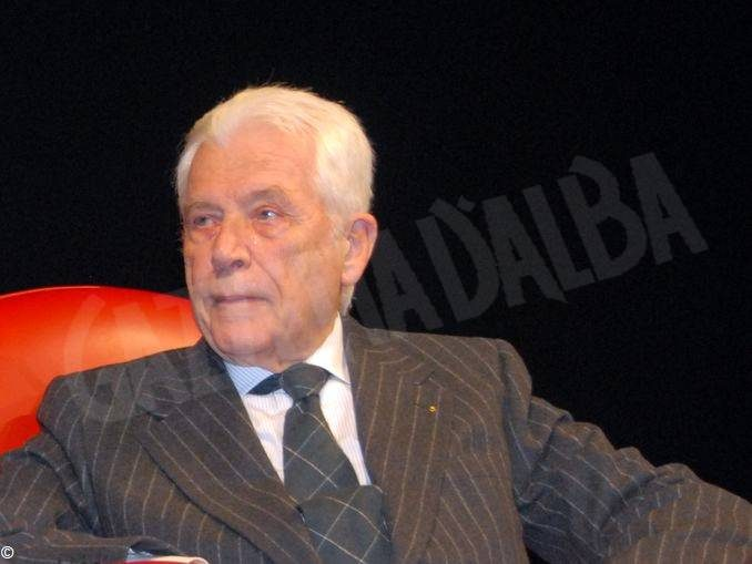 Morto Gianluigi Gabetti, consigliere della famiglia Agnelli, premiato nel 2008 con il Tartufo dell'anno