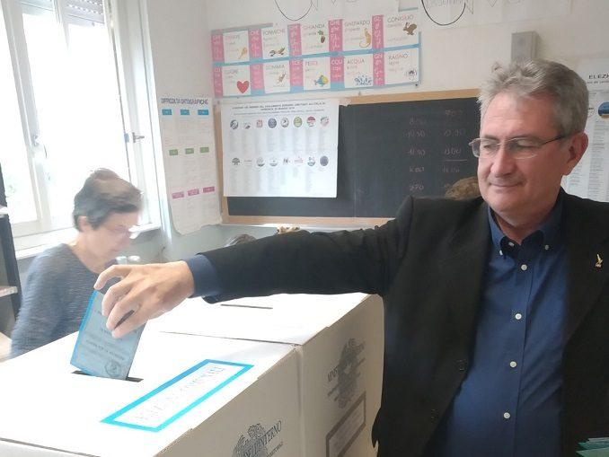 Langhe e Roero al voto, ecco le foto dei candidati nei seggi 2