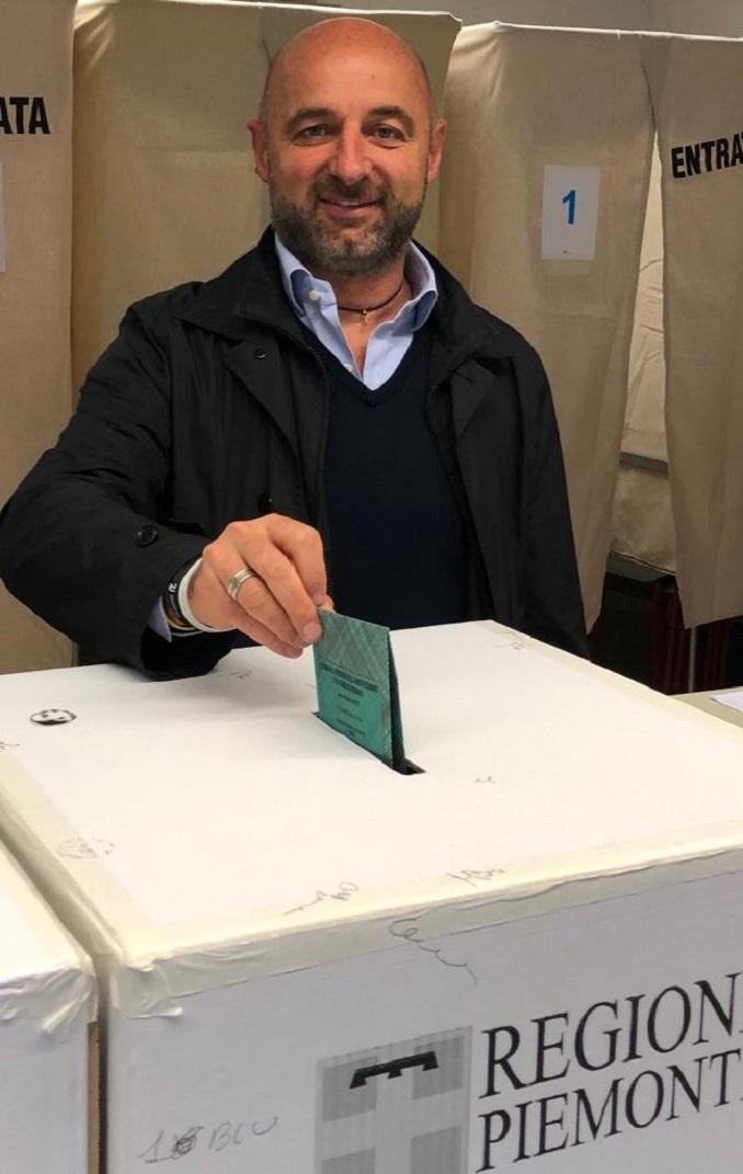 Mario Canova al voto