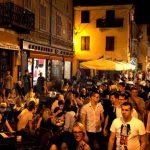 Dehors ad Alba: in arrivo l'estate, stagione delle polemiche