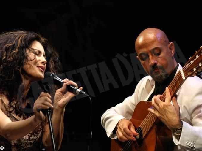 cantautori italia Lavia Ferraz