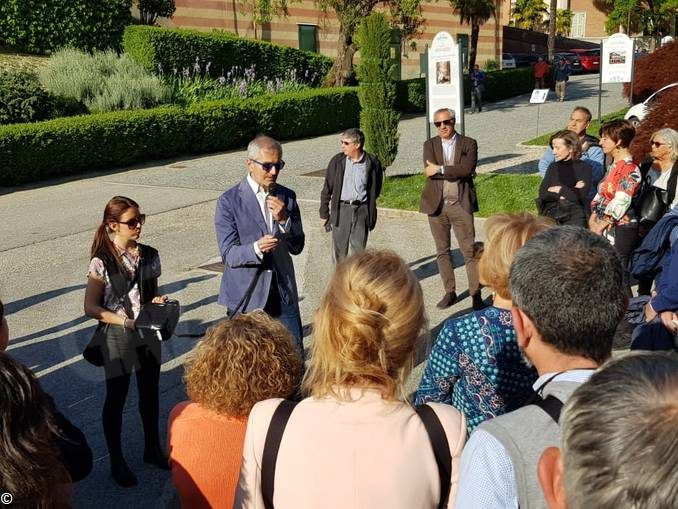 Gianrico Carofiglio legge Lussu nella prima passeggiata letteraria della fondazione Mirafiore 2