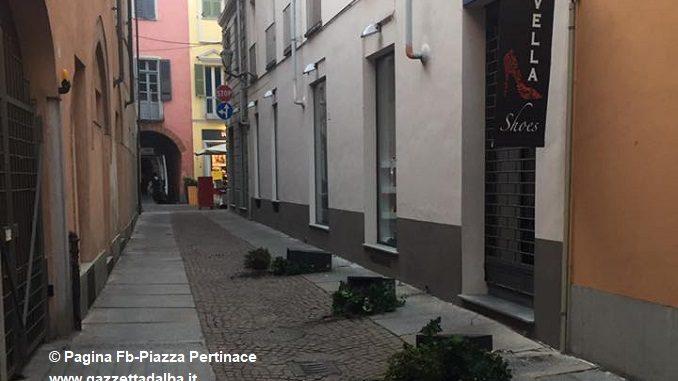 Identificato il responsabile degli atti vandalici della scorsa notte nell'area di piazza Pertinace 1