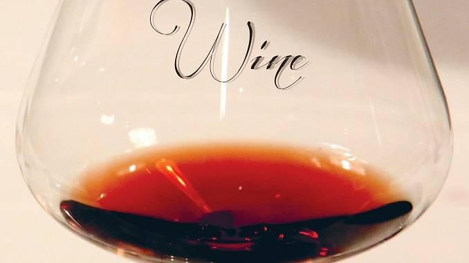 """Alle 18 in sala Fenoglio, Bruno Murialdo presenta il libro fotografico """"Wine"""""""