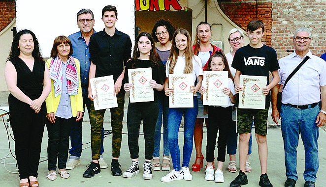 Il gruppo Avis ha consegnato le borse di studio agli studenti in ricordo di Tonino Murru