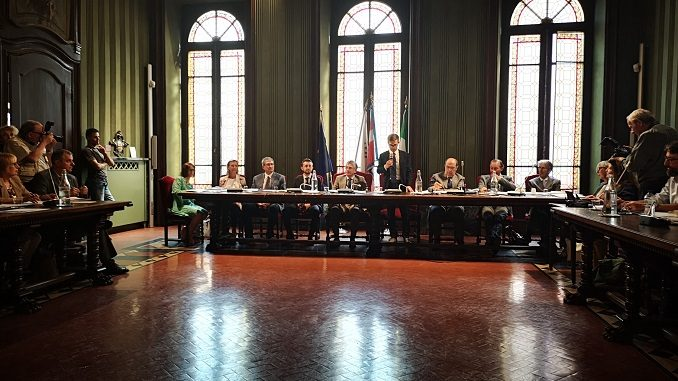 In corso il primo consiglio comunale dell'amministrazione Carlo Bo