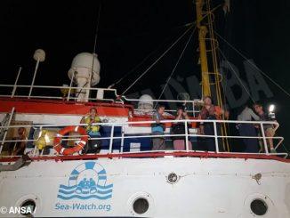Anche la Diocesi di Alba al sit-in pacifico a sostegno di equipaggio e passeggeri della Sea Watch 1