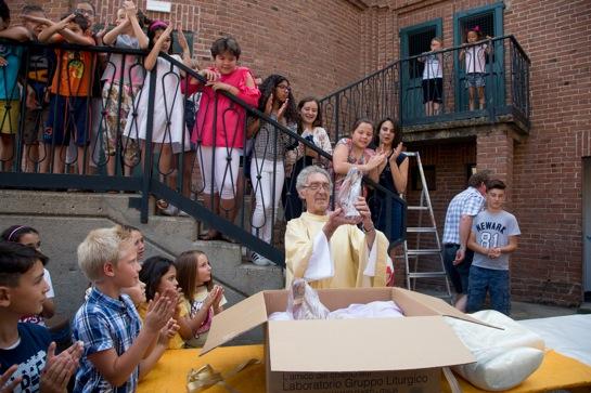 Ceresole: festa a sorpresa per il parroco don Eugenio Viberti