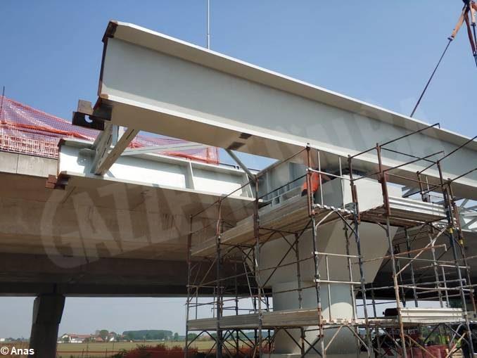 Posato nella sua sede il nuovo viadotto della tangenziale di Fossano 2